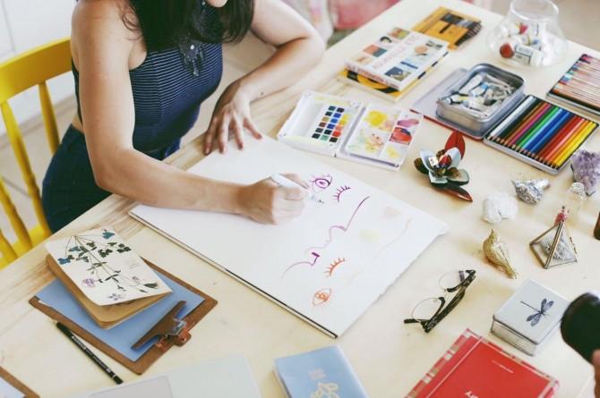 criação de desenhos e produtos amanda mol